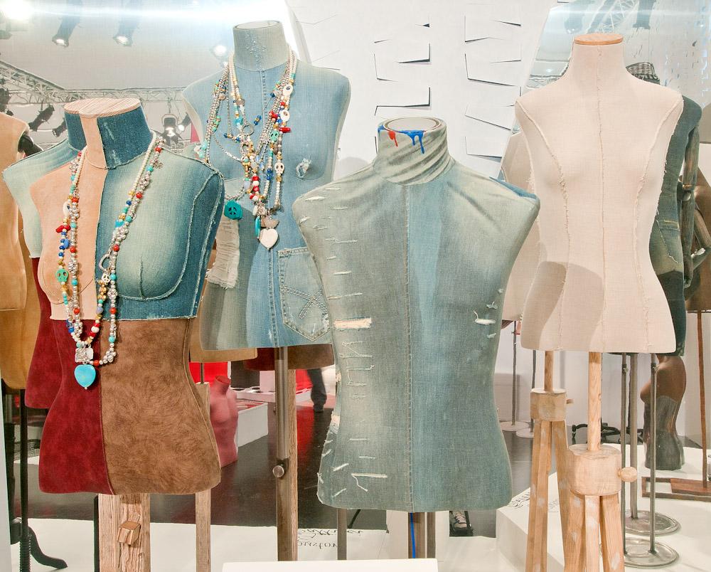 arredamenti per negozi a modena - manichini, attrezzature e ... - Negozi Arredamento Modena E Provincia