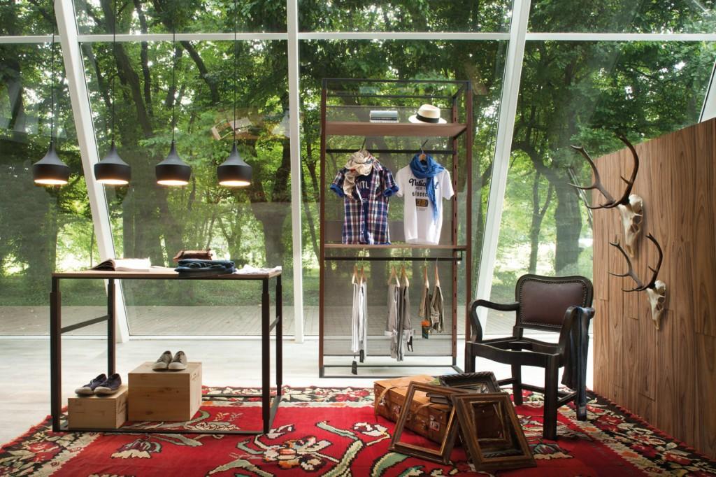 Arredamenti per negozi a modena manichini attrezzature for Negozi arredamento modena